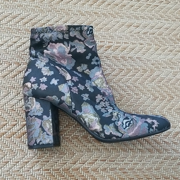 Kenneth Cole Floral Ankle Booties